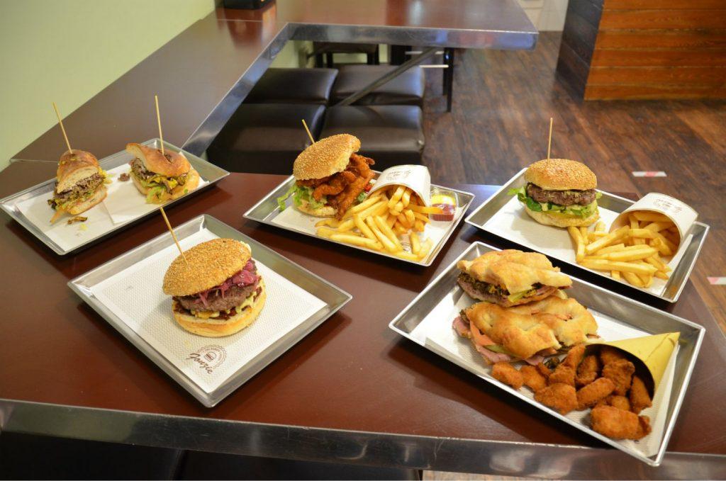 Fonzie Burger #cartolinedaroma