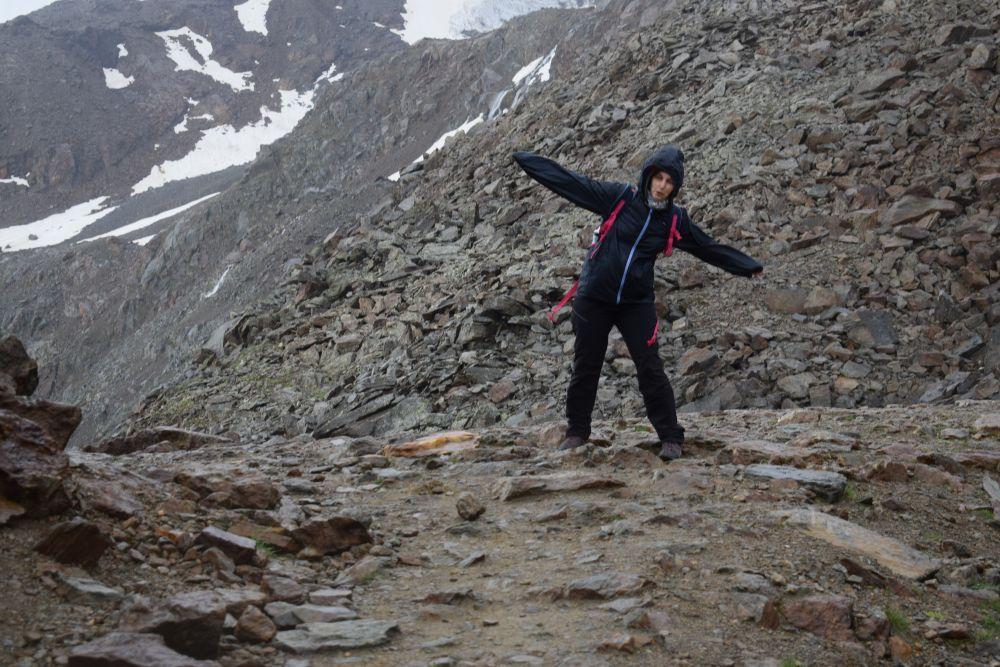 Sabrina Balugani di I viaggi di Ciopilla su un ghiacciaio in Val di Pejo