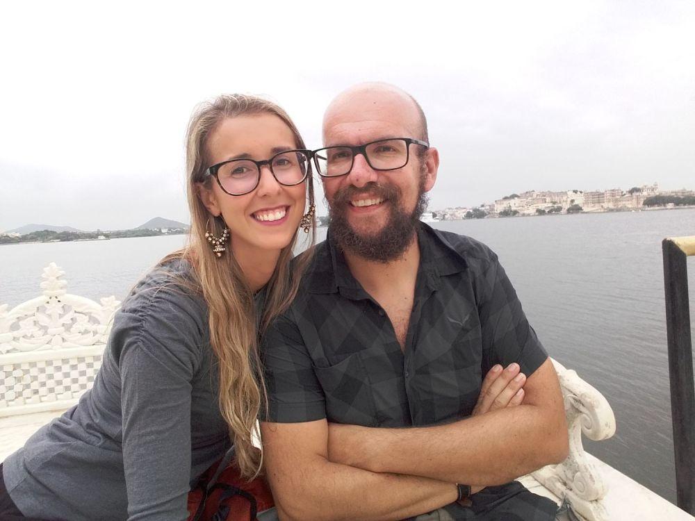 Silvia Vettori di Bagaglio Leggero con il suo compagno di vita e di blog Davide in India