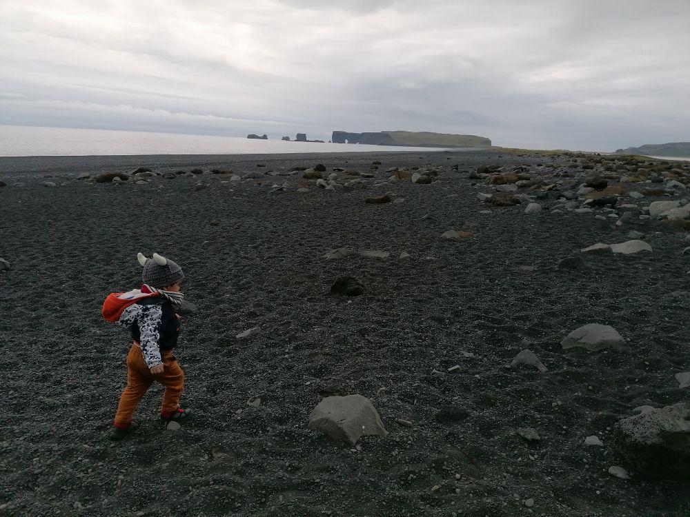 Figlio di Carlotta Amodeo di Piccole avventure di famiglia in Islanda