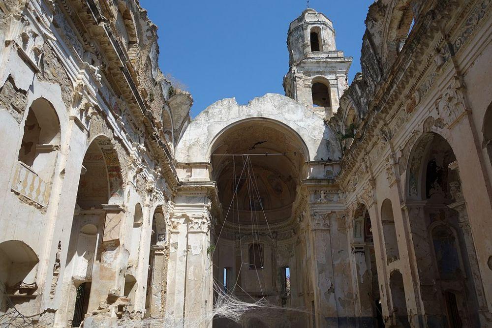 La chiesa di Bussana Vecchia, foto di Michael Schmalenstroer