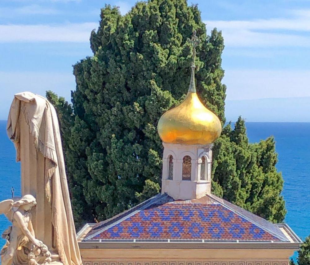 La cupola dorata della chiesa ortodossa di Mentone, in Costa Azzurra, foto Mila Diani di Elisirdilungoviaggio