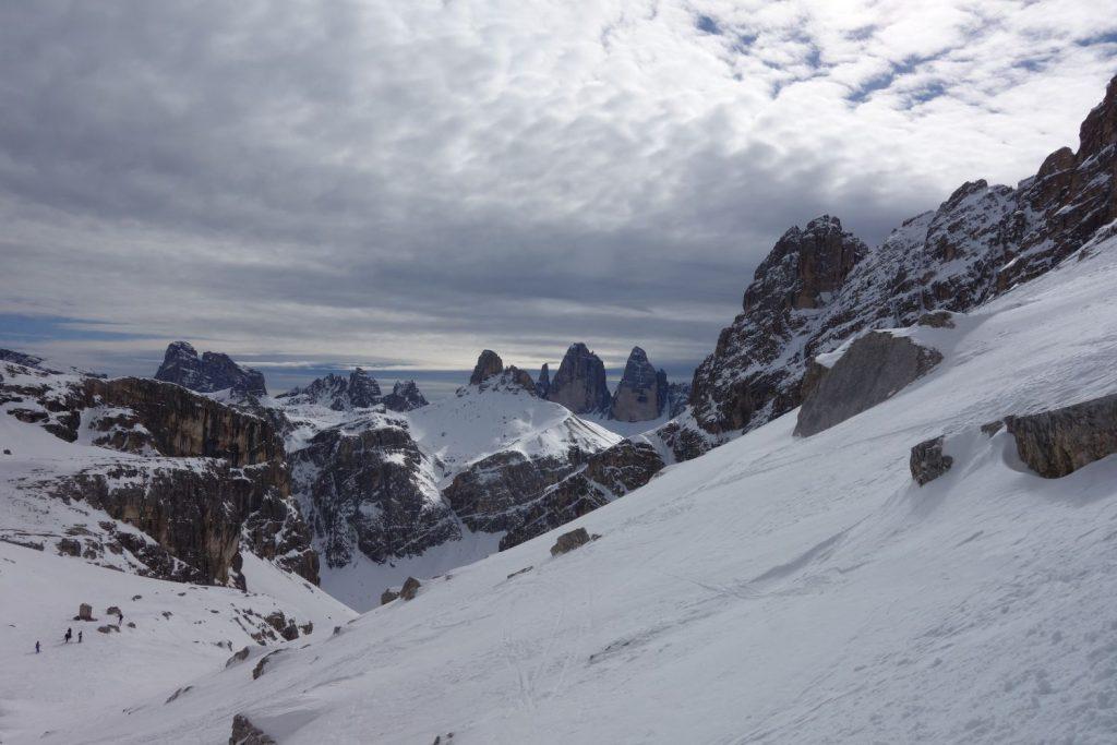 Montagne innevate Dolomiti