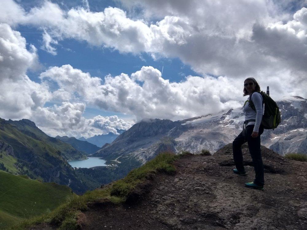 Raffaella Bertolin sulla Marmolada, nelle Dolomiti