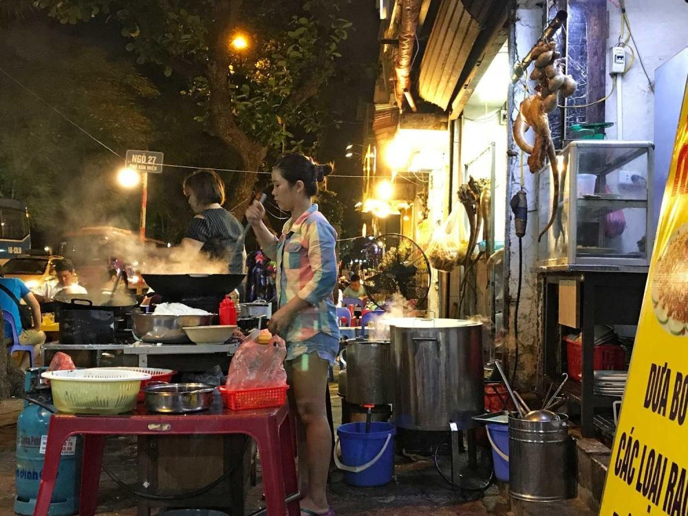 mercato notturno hanoi
