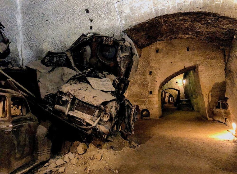 napoli galleria borbonica tunnel