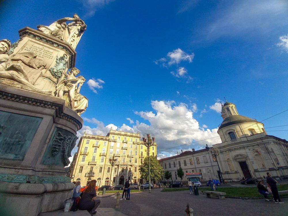 Statua di Cavour in Piazza Carlina a Torino, foto Paola Bertoni