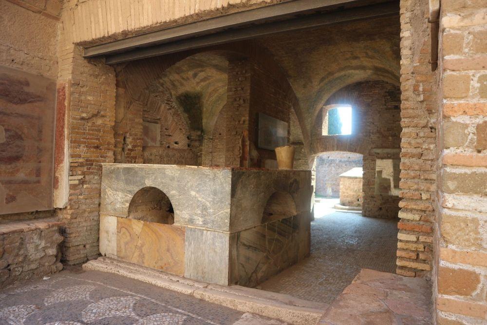 Thermopolium a Ostia Antica, foto Marina Lo Blundo